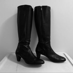 Knee-high Black Leather Taryn Rose Boots!